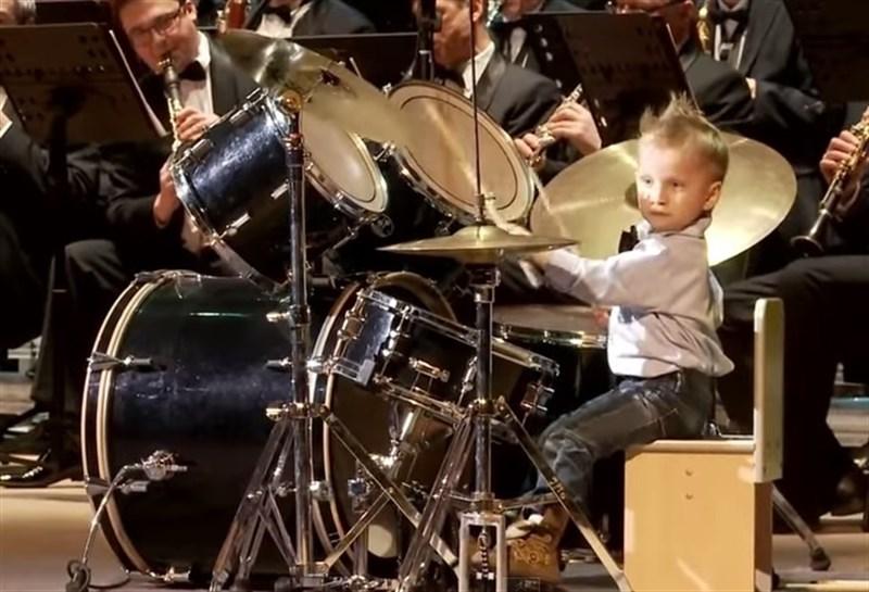 beneficios de tocar batería
